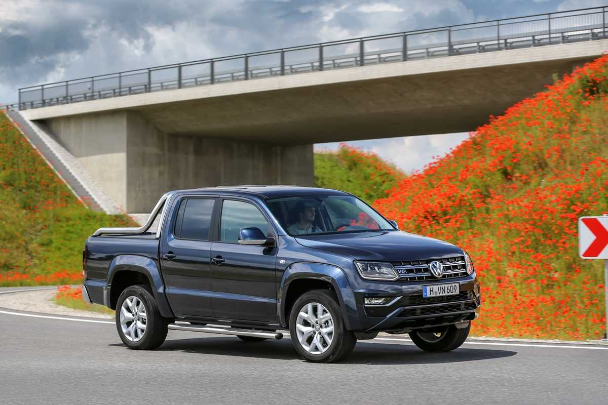 The Amarok turning by an overpass